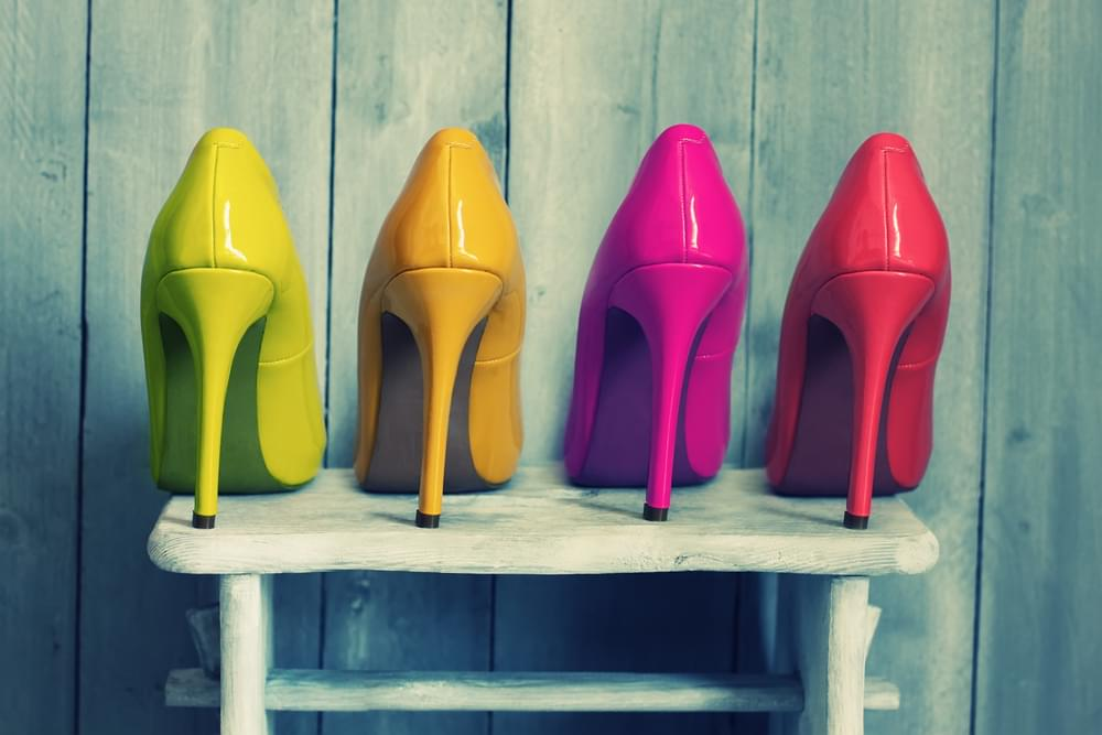Farbige High-Heels im Business