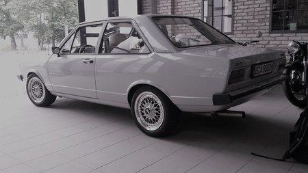 """""""H"""" mit Stil: Ein Audi 80 aus dem Jahre 1976 ."""